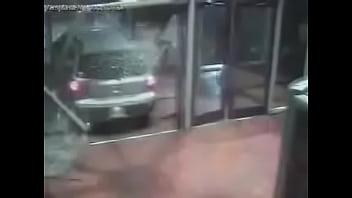 Wii video blowjob Automóvil se coge a medio centro comercial con música de mario kart wii de fondo.