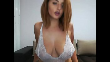 Thick sexy girl naked free show on cam