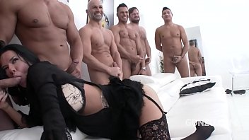 Big butt slut Veronica Avluv gets her asshole destroyed in 10 on 1 gangbang
