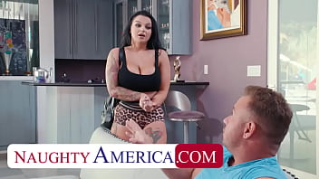 Naughty America - Payton Preslee Gets Tits Oiled Up