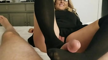 Amateur wife in black nylons and crotchless panties wants to play