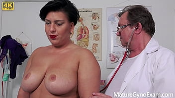 Hot muslim MILF Aisha Bahadur on her kinky gyno exam