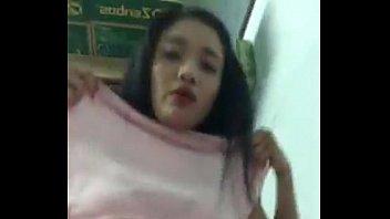 Thánh nữ Lâm Hằng khoe hàng trên facebook