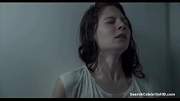 Jenna Thiam - Les Revenants S01E07 (2012)