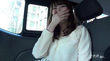 無修正 美熟女優の希咲あやさんが一本道の人気シリーズ「はだかの履歴書」で今まで晒したことのない素の顔を魅せてくれます。 1