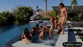 Pipe swinger - Group of swingers play nasty game and blowjob outdoors