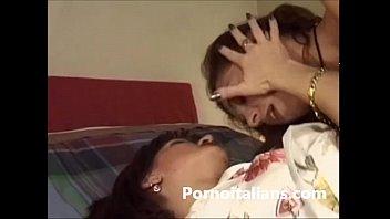 lesbichealiane fanno sesso Italian lesbian sex fighe bagnate