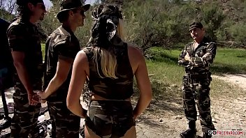 Pornstar Diana Gold DP from Two Soldiers Near The Sea HD porno izle