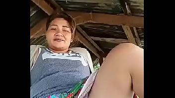 Tante Thailand Berkedip Di Luar Ruangan