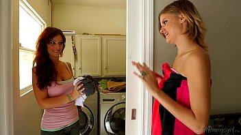 Mommy's Girl - Syren De Mer, Scarlett Fever