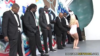 Snow bunny black dick - Jessie volt gives blowjob to a group of black man