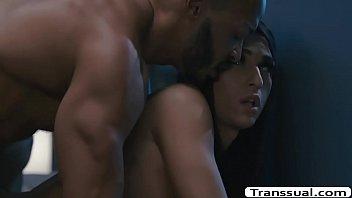Petite TS Khloe Kay analed by her black husband