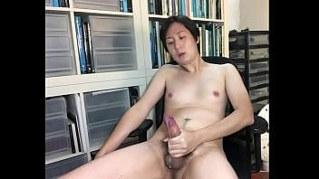 Asian boy splatters his cum onto the floor