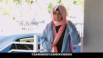 Muslim girls (Binky Beaz) do it better - TeenPies thumbnail