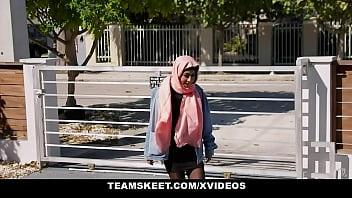 Muslim girls (Binky Beaz) do it better - TeenPies 13 min