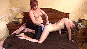 DF028- FOOT FETISH AND LESBIAN FACESITTING DOMINATION pornhub video