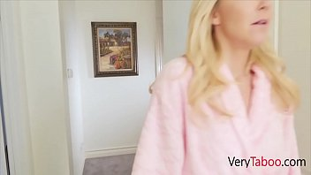 When GF Doesn't Fuck, Mom Does- Laura Bentley