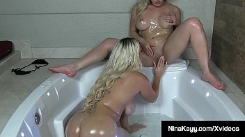 Round Rumps Cristi Ann & Nina Kayy Have Hot Sex In Hot Tub!