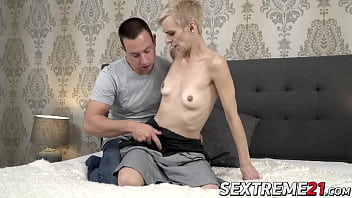 Short woman fucked Short haired mature woman bounces on a rock solid cock