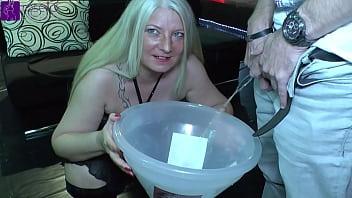 10 liters, women and men piss, for 2 piss sluts! Part 1