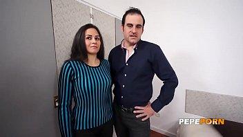 Casting porno madrid Parejita sale de compras y la convencemos para grabar porno