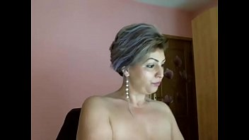 Mature MILF Playing - infrontofmycam.com