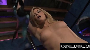 Blondes Love Dick - PAWG Stripper Alexis Texas Takes a Hard Pounding