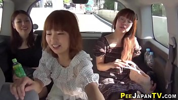 Real asians public piss 10分钟