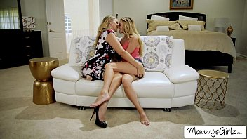Mollys wet pussy gets sucked by her mom
