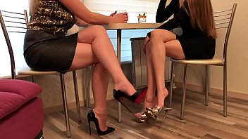 Sexy shoes worship Cams4free.net - sexy girlfriends in heels at lunch shoe dangle