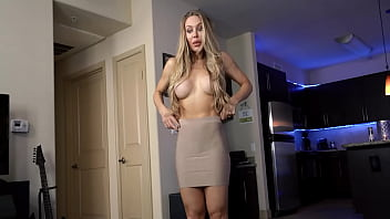 Mommy Nicole Aniston Wants Sex From Stepson 8分钟