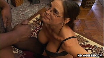 Hunter byrce blow job - Experienced cheyenne hunter milks a bbc dry.