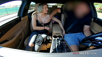 First Time Sex For MILF Anastasia Belle in her Casting video with Car Sex 2分钟