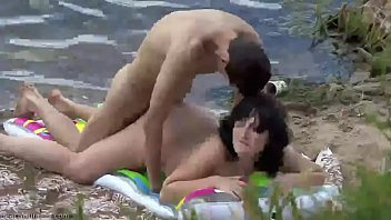 Young couple making sex on the beach 13分钟