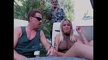 Blonde bombshell with huge boobs Salina Del Ray  put to the test her actress skills on the filming ground of adult studio belonging to mafia