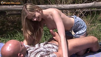 Scoolgirl Amanda had sex with Her Boyfriend 7分钟