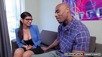 Mia Khalifa pounded by a black cock