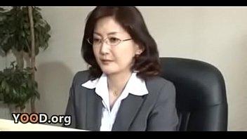 Japanese school director masturbates in the office 11分钟