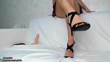 Sexykiska Lick Feet