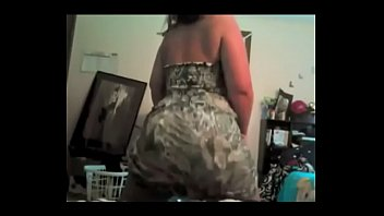 Phat ass white whooty twerkin in dress preview image