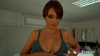 The sexy secretary: Myss Alessandra tries candidates to porn!