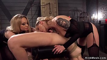Maitresse dominate and anal fist slave