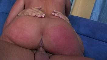 Cheating wife BBW Babe takes the big cock of her hubby´s workmate at home