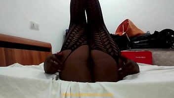 Ebony Solo Girl Teasing In Bed And Exposing Her Sweet Pussy