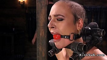 Trimmed head slave rides Sybian in bdsm