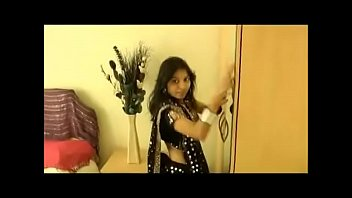 Kavya showing her breast Kavya sharma home alone horny - indiansexmms.co
