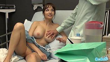 Public Sex in Hospital, Milf Flash BF Cumshot I Gave Him a Handjob and He Cums On My Tits 14分钟