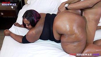 big booty bbw mom taking big cock