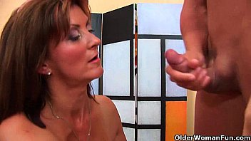 Horny milf gets a facial from the guy next door