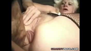 Old mature beautiful women Barbie face granny does anal with big cock